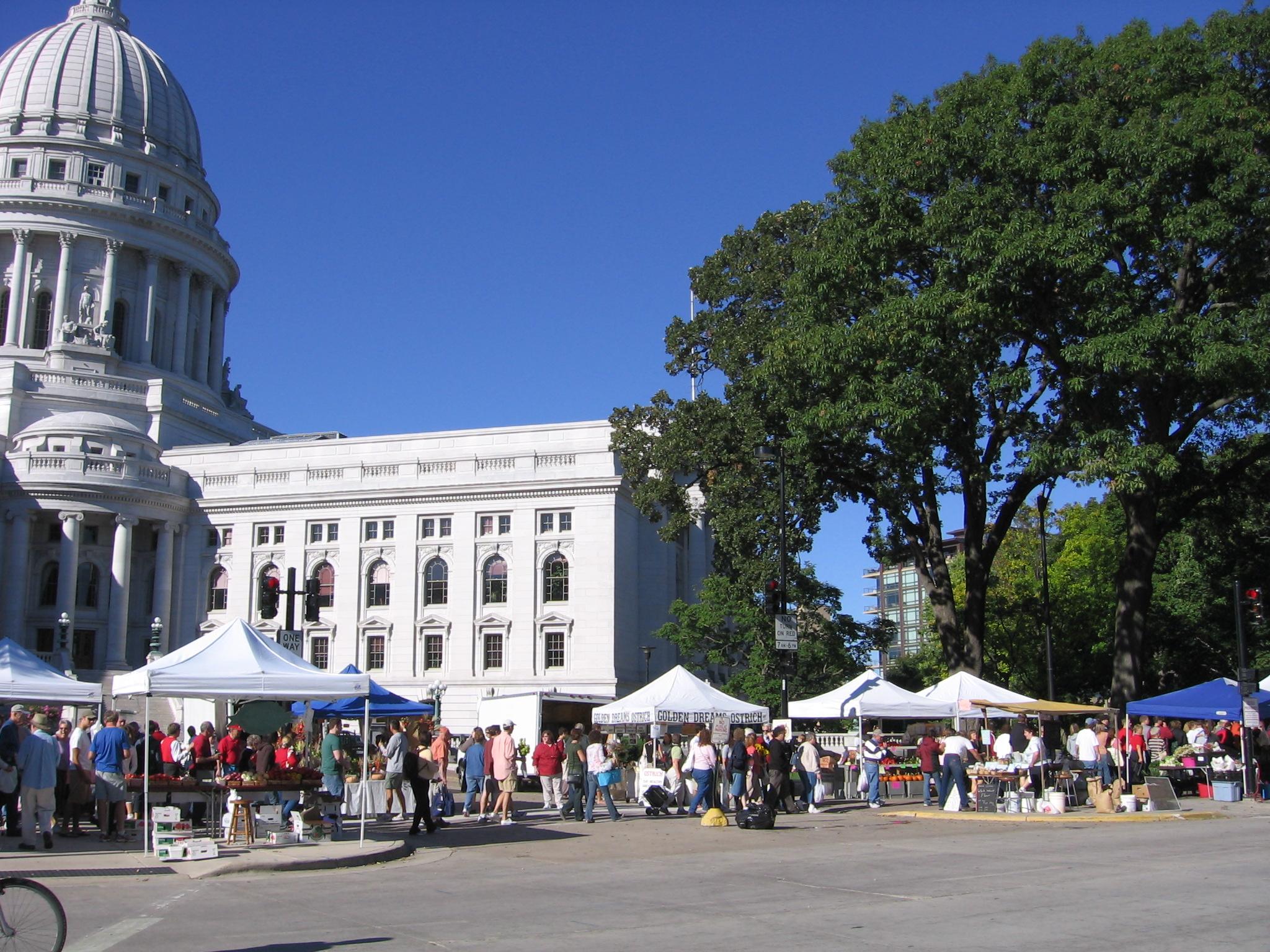 Dane_county_farmers_market